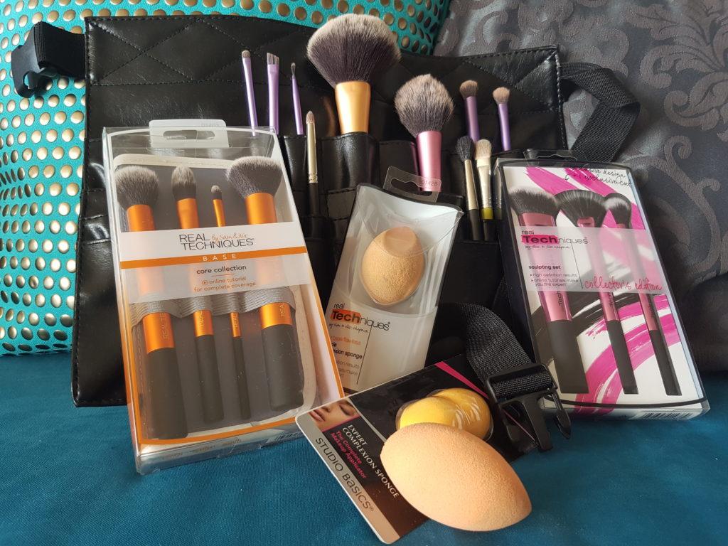 coffret kit pinceaux ceinture professionnelle et ses pinceaux maquillage evolution partner. Black Bedroom Furniture Sets. Home Design Ideas